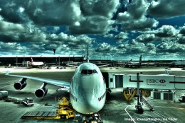 plane-at-London-Heathrow-airport